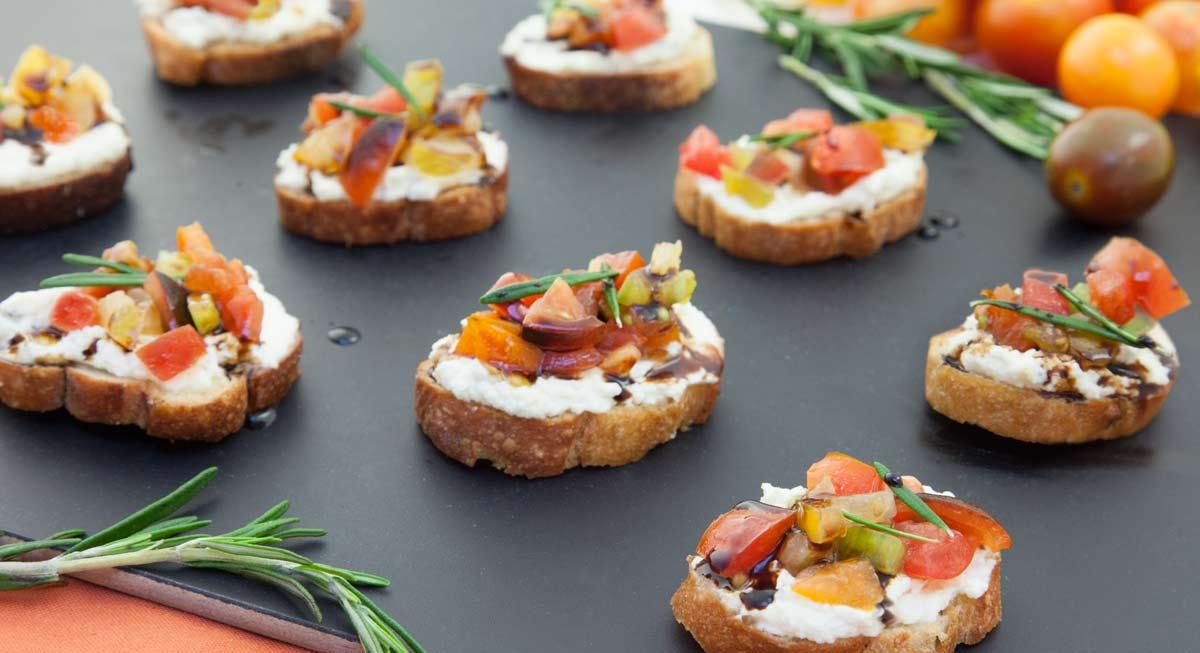 Union-Market-Recipe-Tomato-Rosemary-Ricotta-Crostini-1200px